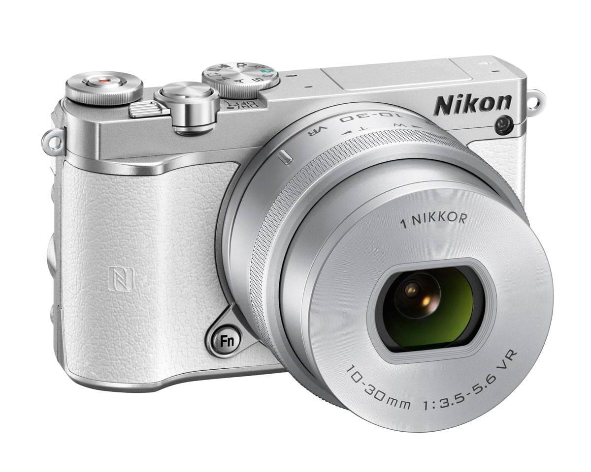 NIKON 1 J5 WHITE + 1 NIKKOR 10-30mm + LEXAR micro SD 300x 16 GB - WHITE