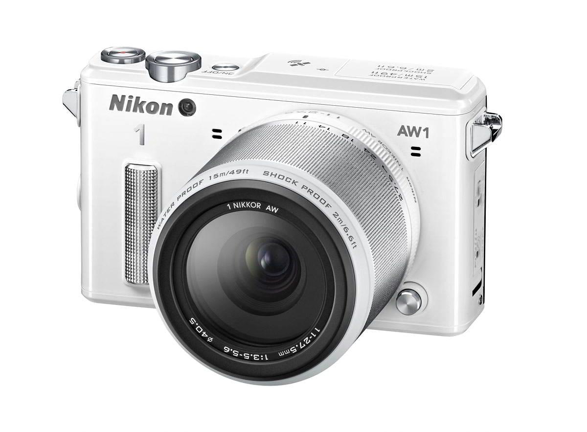 NIKON 1 AW1 white + 1 Nikkor 11-27,5 mm + LEXAR SD 400x 8GB