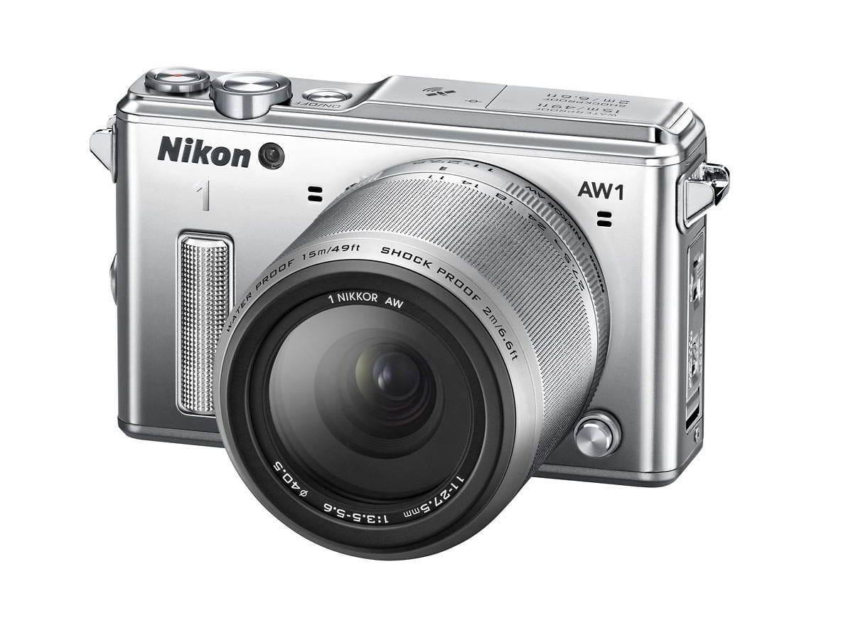 NIKON 1 AW1 silver + 1 Nikkor 11-27,5 mm + LEXAR SD 400x 8GB