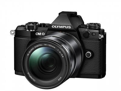 E-M5 II Black + M.Zuiko Digital ED 14-150mm F4-5.6 II