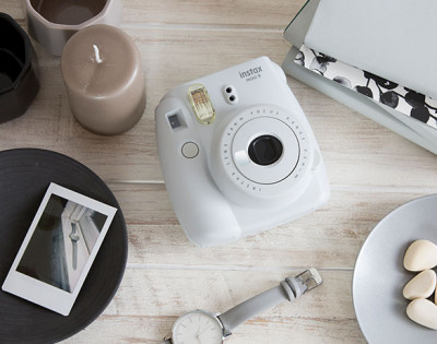 INSTAX MINI 9 +10 FOTO+BORSA - SMOKY WHITE