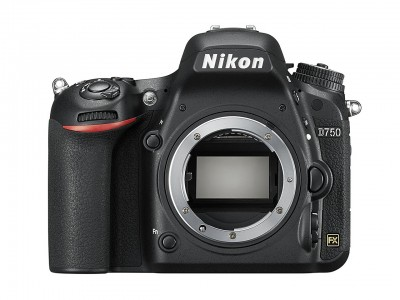 D750 solo corpo + Lexar SD Pro 633x 32GB