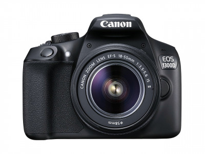 EOS 1300D + EF-S 18-55 IS II + BORSA + SD 8GB + PANNO